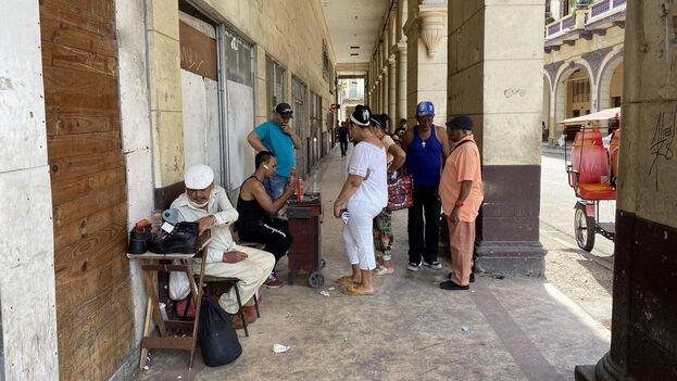 Ancianos cubanos. (14ymedio)