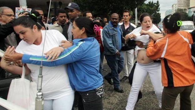 Arresto contra disidentes en Cuba (Ernesto Mastrascusa EFE)
