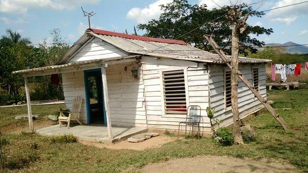 La casa en Artemisa del carbonero Joaquín Díaz de 56 años de edad. (14ymedio)