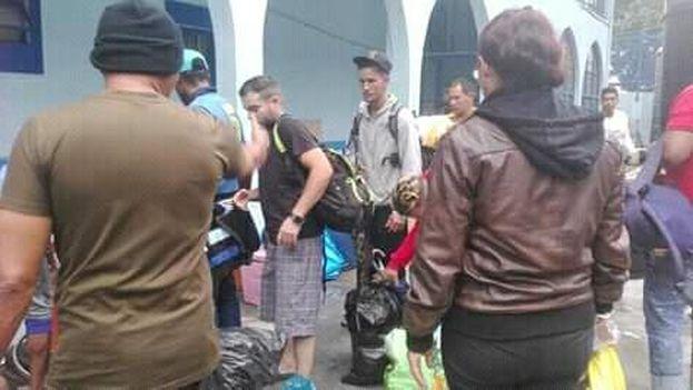 Según Bárbara Enríquez, integrante de la protesta, unos 80 cubanos han sido detenidos, incluida ella. (Captura)