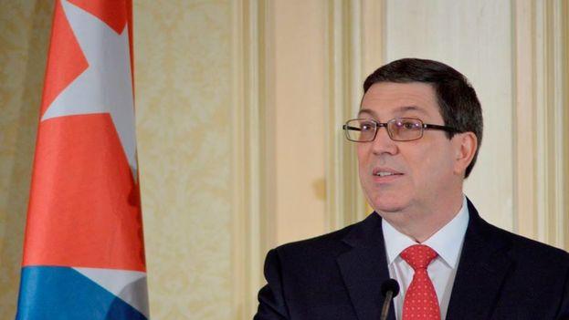 Bruno Rodríguez durante la conferencia de prensa en Viena este lunes. (@CubaMinrex)