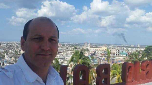 El pastor bautista Carlos Sebastián Hernández Armas llamó a los fieles de su congregación a oponerse a la nueva Constitución. (Facebook)