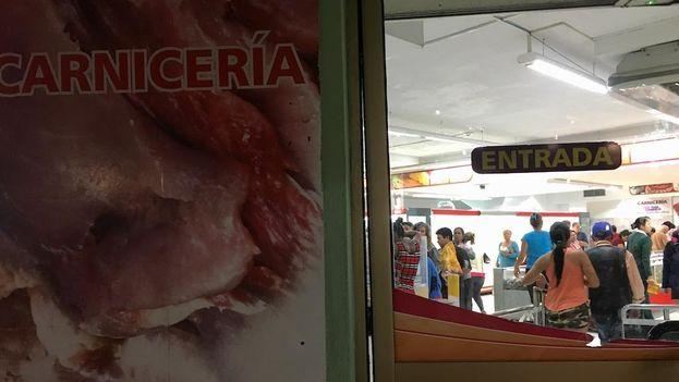 Carnicería del mercado Plaza de Carlos III en La Habana. (14ymedio)