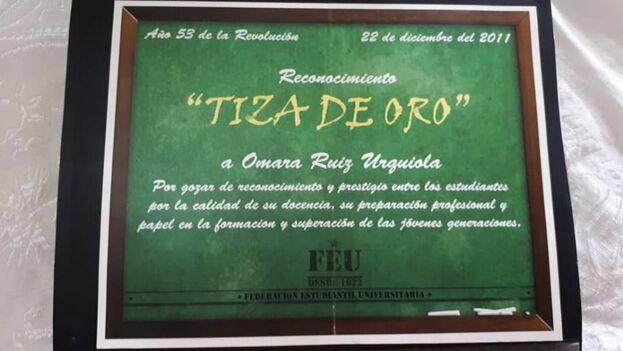 Certificado Omara Ruiz Urquiola