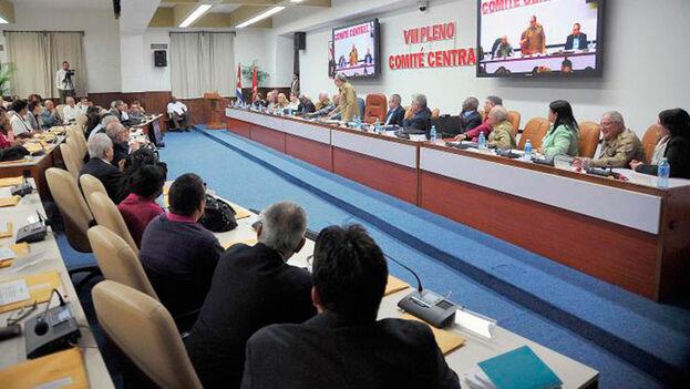 Una reunión del pleno del Comité Central del Partido Comunista. (EFE)