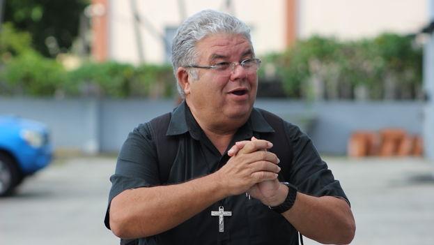 El padre José Conrado Rodríguez, sacerdote de la Iglesia Católica en Trinidad. (14ymedio)
