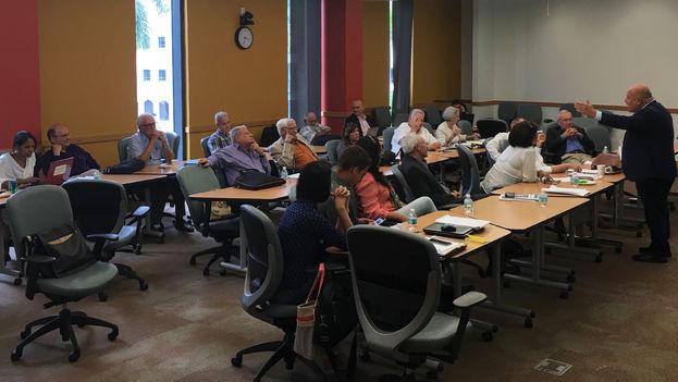 Segundo Encuentro de Pensamiento para Cuba promovido por el Centro de Estudios Convivencia. (14ymedio)