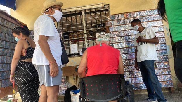 En Cuba se anunciaron más de 200 casos confirmados de covid-19, una cifra que puede dispararse en los próximos días cuando se aplicarán test rápidos. (14ymedio)