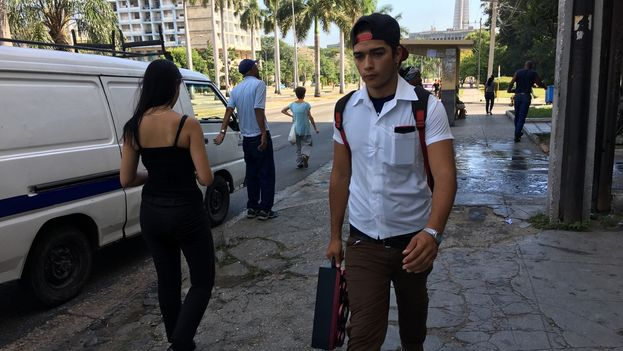 El estatus social se mide también en Cuba por la cantidad de ruido que pueden generar las personas en los espacios públicos. (14ymedio)