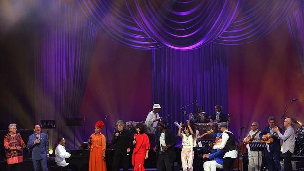 El Gran Teatro de La Habana 'Alicia Alonso' se convirtió en el escenario de un concierto único, celebrado con motivo del Día Internacional del Jazz. (EFE)
