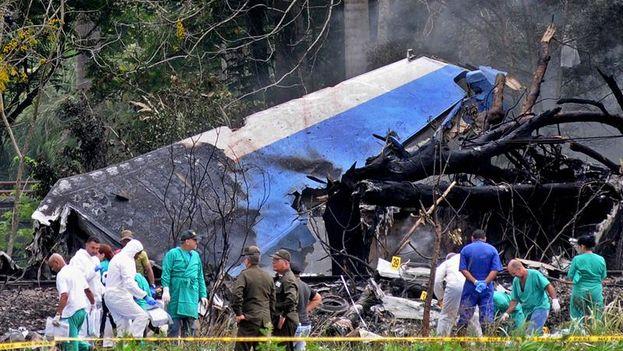 El avión alquilado por Cubana de Aviación se estrelló al despegar del aeropuerto de La Habana cuando se dirigía a Holguín. (EFE)