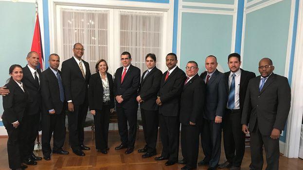 Delegación de Cuba tras la ronda de conversacines sobre migración celebrada este lunes en Washington. (@JosefinaVidalF)
