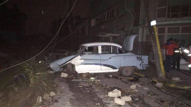 Destrozos en la barriada de Luyanó, cerca del Hospital Hijas de Galicia. (Fernando Berlanga)