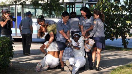 Detención de Damas de Blanco. (Martinoticias.com)