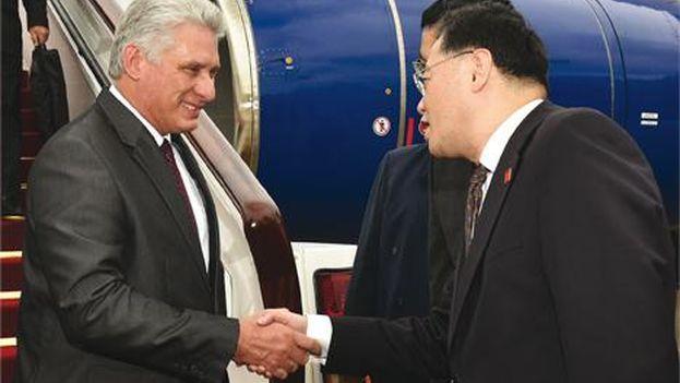 Díaz-Canel aterrizó el miércoles por la mañana en Pekín tras su paso por Shángái. (Minrex)