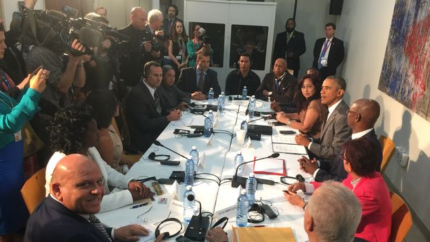 El presidente de EE UU, Barack Obama, se reúne con representantes de la sociedad civil independiente cubana. (14ymedio)