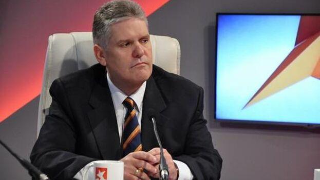 El ministro de Economía y Planificación, Alejandro Gil Fernández,  se presentó este lunes en la televisión nacional para disipar dudas sobre la economía cubana. (Mesa Redonda/Archivo)