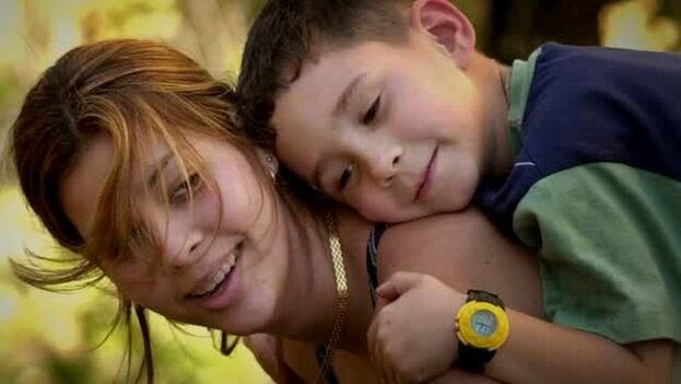 Elián González junto a sus familiares en Miami. (Miami Herald)