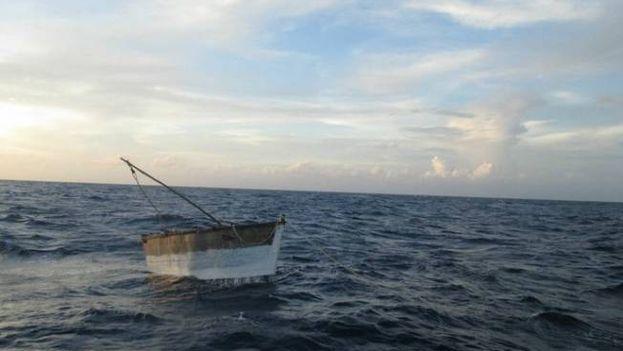 Embarcación en la que viajaban los cubanos. (semar.gob.mx)
