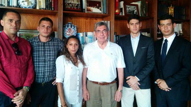 Encuentro de jóvenes cubanos y venezolanos con Óscar Arias