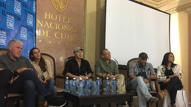 Equipo del filme 'Sergio & Serguéi' este jueves durante la conferencia de prensa en el Hotel Nacional. (14ymedio)