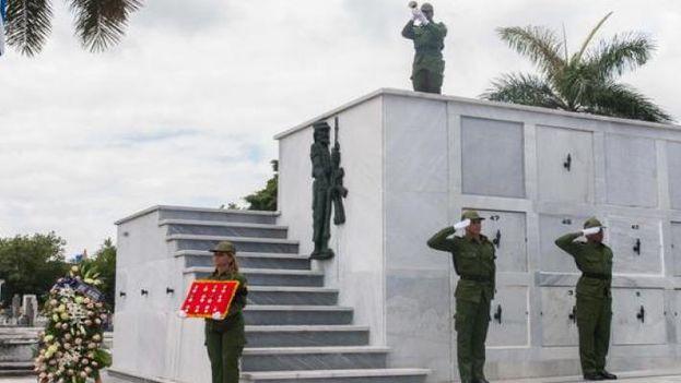Las cenizas de Amels Escalante serán expuestas hasta el mediodía de este martes en el Panteón de los Veteranos del Cementerio de Colón, en La Habana. (Radio Habana Cuba)