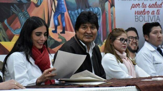 Evo Morales al poder se convirtió en uno de los principales aliados de Cuba en la región y contrató centenares de médicos cubanos. (EFE)
