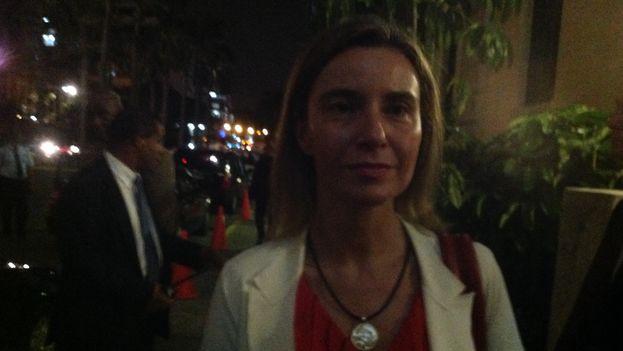 Federica Mogherini, a la salida de la conferencia de prensa donde no dejaron entrar a reportero de 14ymedio