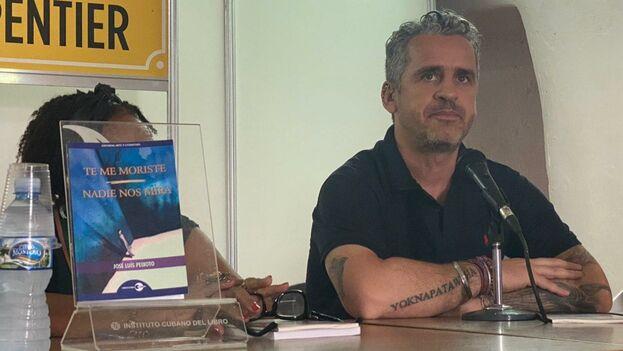 El escritor portugués José Luis Peixoto presentó en la sala Alejo Carpentier dos de sus títulos compilados en un libro y publicado por la editorial Arte y Literatura. (14ymedio)