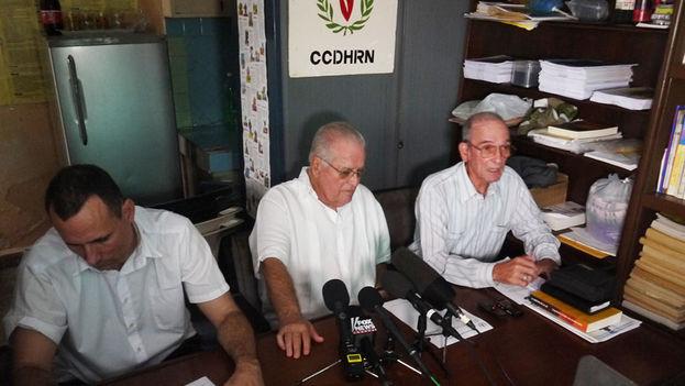 José Daniel Ferrer, Elizardo Sánchez y Héctor Maseda en conferencia de prensa. (14ymedio)