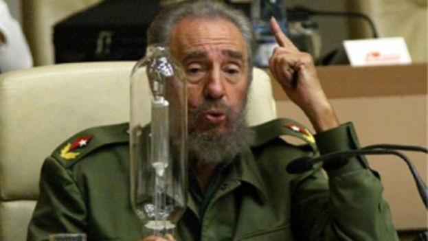 Fidel Castro batalló por la revolución energética promoviendo, entre otros, el bombillo fluorescente por el incandescente