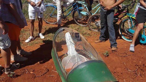 Trümmer der bbgestürzte MiG-21 | Foto: Ignacio Gonzalez Quelle: www.14ymedio.com | Bilder sind in der Regel urheberrechtzlich geschützt