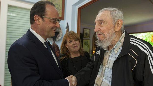 François Hollande mantuvo un encuentro con Fidel Castro durante su breve visita a la Isla en mayo de 2015. (EFE/Cubadebate/Alex Castro)