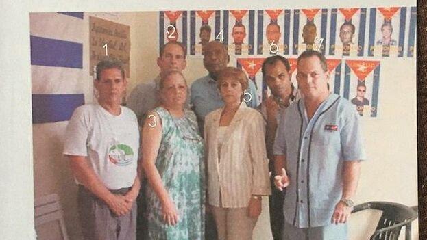 """Aunque el Gobierno cubano insistió en que Orlando Zapata Tamayo era solo un """"delincuente"""", en el libro oficial """"Los disidentes"""" ya se le mencionaba como opositor. (Captura)"""