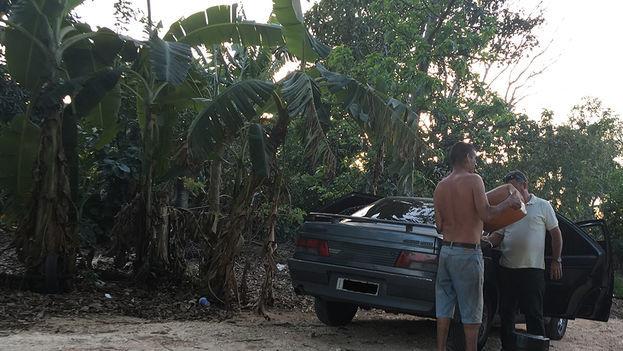 El Gobierno cubano aprobó un grupo de medidas para enfrentar el desvío de combustible al mercado negro. (EFE)