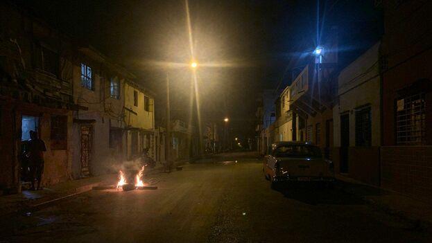 Así se vivió en La Habana esta fiesta impuesta por decreto, justo cuando todo el país teme el regreso de los peores años de crisis. (14ymedio)