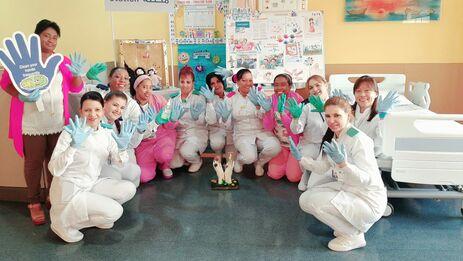 Sala de pediatría del Hospital Cubano en Dukhan, estado de Catar celebra semana internacional de Control de la Infección Hospitalaria. (Facebook)