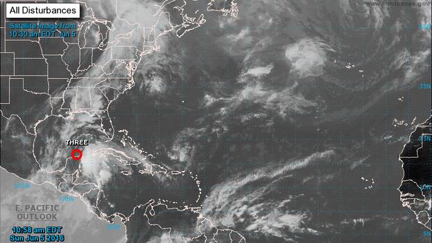 Imagen de satélite (National Hurricane Center)