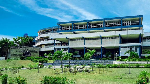 Instituto Preuniversitario Vocacional de Ciencias Exactas Carlos Marx de Matanzas, creado en 1975. (Wikimedia)