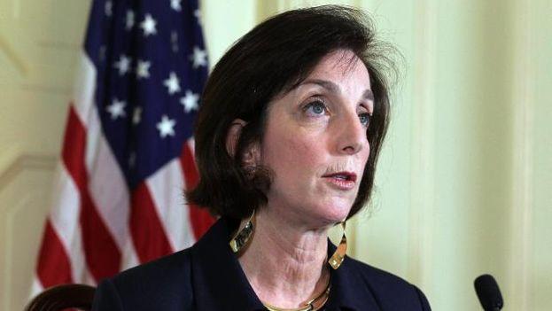 Jacobson se reúne con disidentes y dice que el giro de EE.UU. es para más apertura en Cuba