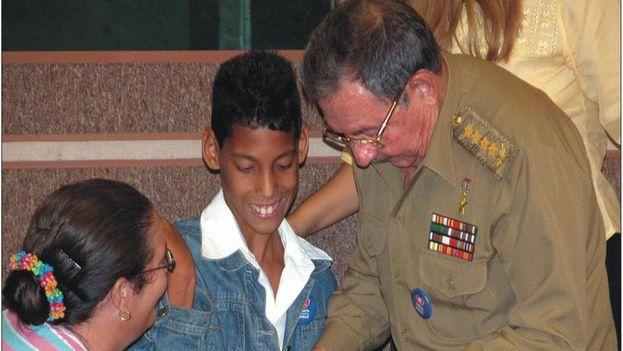 Jorgito debutó a la vida pública en ocasión del IV Congreso Pioneril, cuando llamó la atención de Raúl Castro