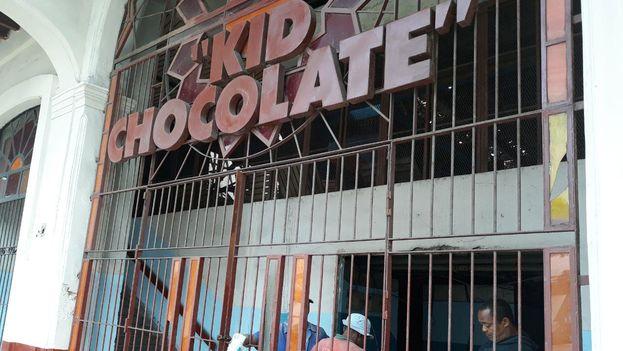 la manzana donde se ubica la Kid Chocolate está en medio de un trasiego constructivo porque en el perímetro se erigirá el Hotel Pasaje. (14ymedio)