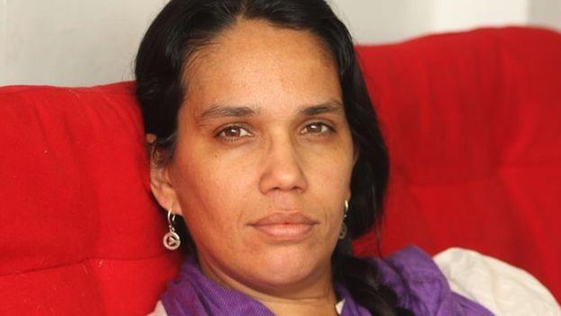 La policía ofreció un mejor trato a Luz Escobar si colaboraba para que el Gobierno pueda influir en la línea editorial de '14ymedio'. (14ymedio)