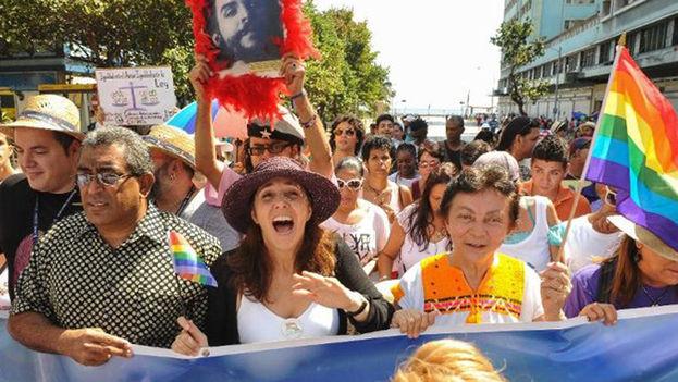 Marcha para Derechos a los Homosexuales liderada por Mariela Castro (Blog Absolut Cuba)