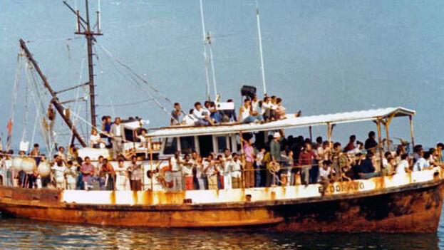El éxodo por el puerto de Mariel, en 1980, es uno de esos momentos en que muchos perdieron la ilusión en el proceso cubano. (Florida Memory)