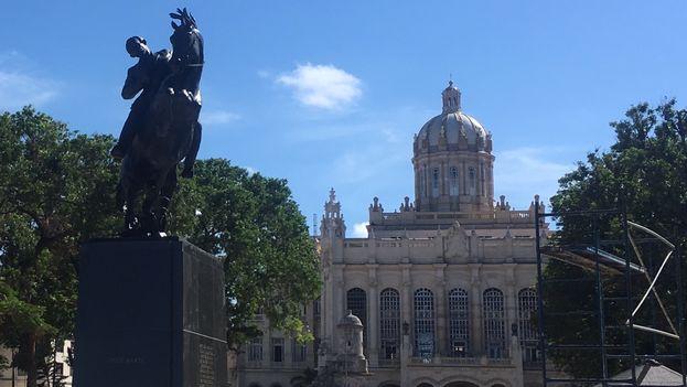 La estatua ecuestre del prócer cubano José Martí que se encuentra desde 1950 en el Central Park de Nueva York ya tiene una réplica en La Habana. (14ymedio)