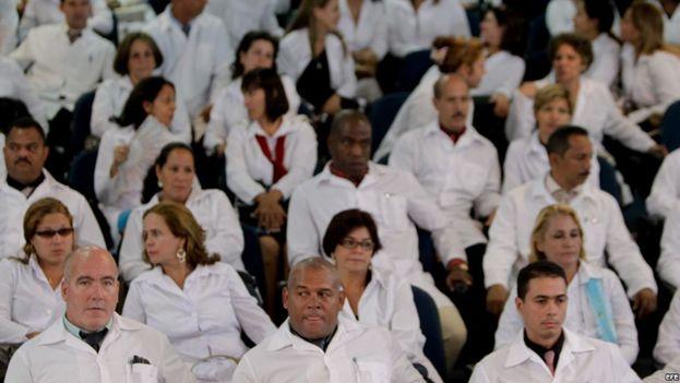Médicos cubanos en Brasil. (CC)