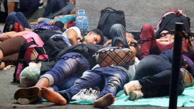 Migrantes cubanos aguardan en Costa Rica por poder proseguir su ruta hacia Estados Unidos