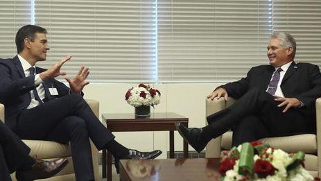 Pedro Sánchez y Miguel Díaz-Canel en el encuentro que sostuvieron en Nueva York durante la Asamblea General de la ONU. (EFE)
