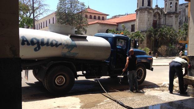 Problemas con el abastecimiento de agua en La Habana. (14ymedio)